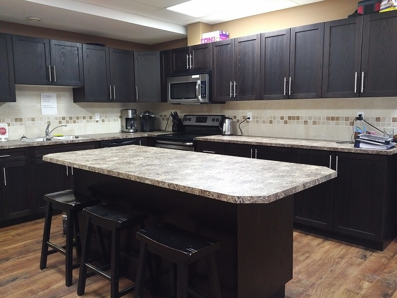 Sylvan Lake Kitchen.jpg
